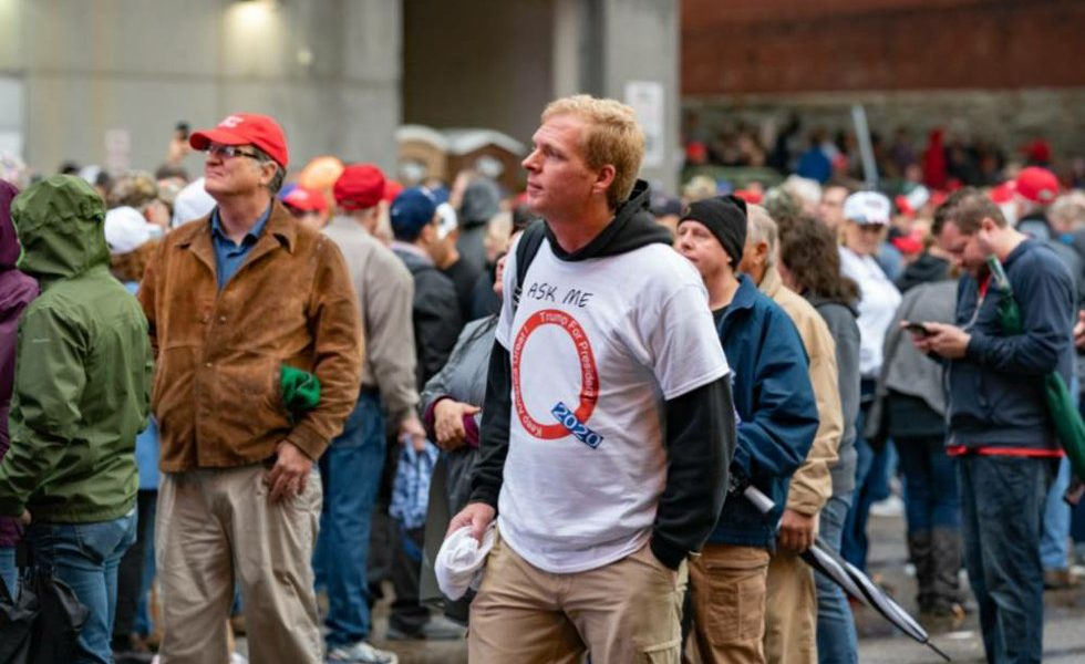 Ask_Me_Q_-_QAnon_-_Minneapolis_Trump_Ral