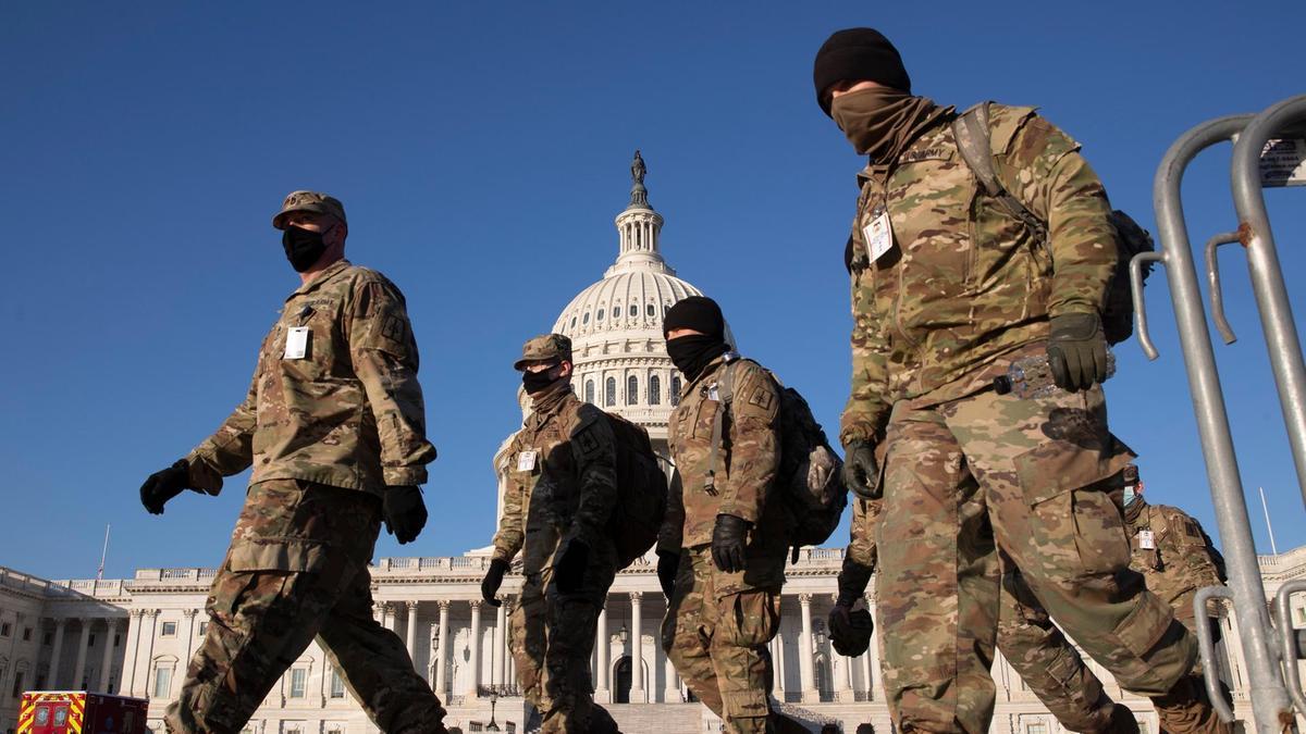 National Guard members outside the U.S. Capitol