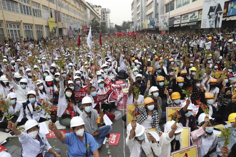 The photo depicts the general strike in Myanmar in 2021.